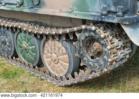 Military Tank Track System (tank Tread, Continuous Track, Chain Track) With Road Wheels In A Row And