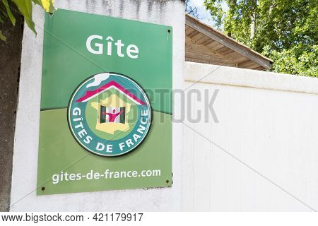 Bordeaux , Aquitaine France - 05 14 2021 : Gites De France Text Sign And Brand Logo Of French Label