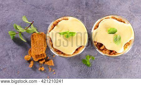 tiramisu with cream and biscuit