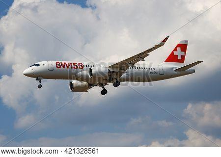 London / United Kingdom - July 14, 2018: Swiss International Airlines Airbus A220-300 Hb-jcc Passeng
