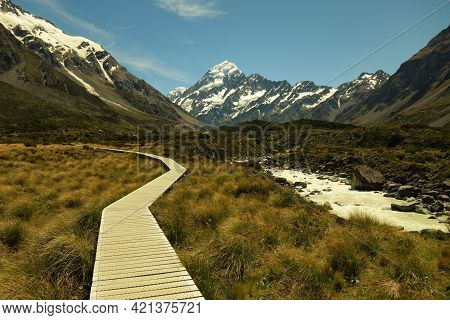 Beautiful View Of Mt Cook And The Boardwalk