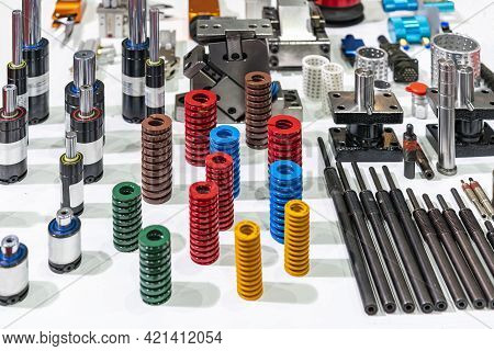 Various Equipment For Injection Mold And Die Stamping System Such As Spring Nitrogen Gas Spring Shoc
