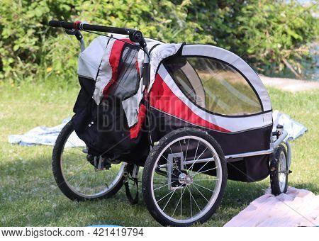 Pet Dog Bike Trailer Bicycle Trailer Baby Stroller