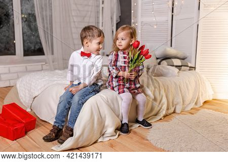 Friendship And Love. Portrait Of Smiling Boy And Cute Girl. Happy Children In Casual Clothes. Cute S
