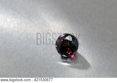 Natural Red Rhodolite Garnet Round Faceted Gemstone. Red Flashes Under Day Light Stighr Stars. Refle