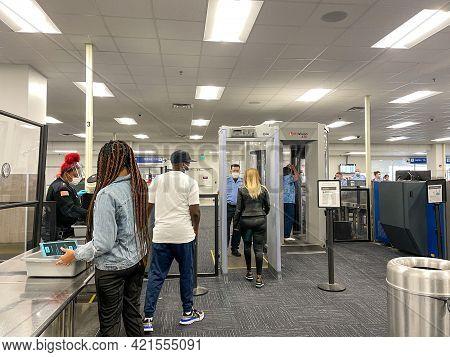 Sanford, Fl Usa - May 13, 2021:  The Tsa Security Area At The Orlando Sanford International Airport