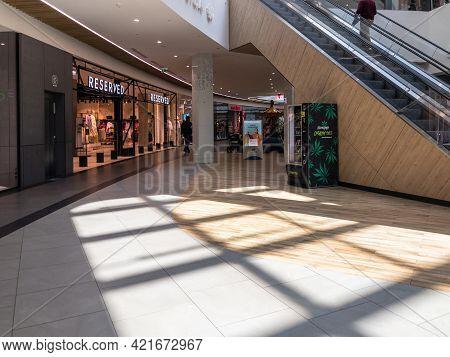 Zabrze. Poland 8 Maj 2021. Shopping Mall Building In Platan City Center. People Shopping In Modern C