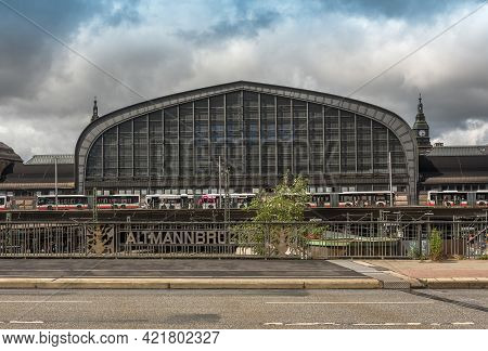 View From The Altmann Bridge On The Building Of Hamburg Central Station, Germany