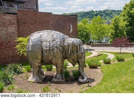 Wheeling, Wv - May 18, 2021: Elephant Statue In The Heritage Port Park In Wheeling West Virginia