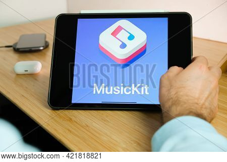 Apple Musickit Logo On The Screen Of Ipad Tablet. March 2021, San Francisco, Usa