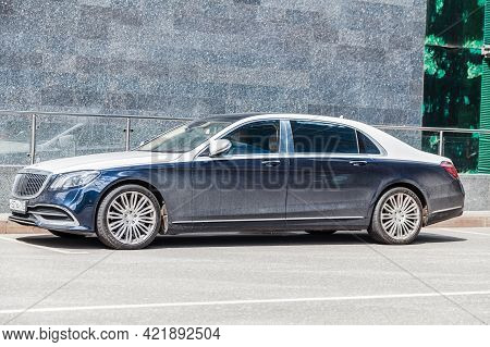 Front Side View Of A Very Expensive Premium Mercedes Benz S500 Maybach Car, Luxury Blue Limousine Wi