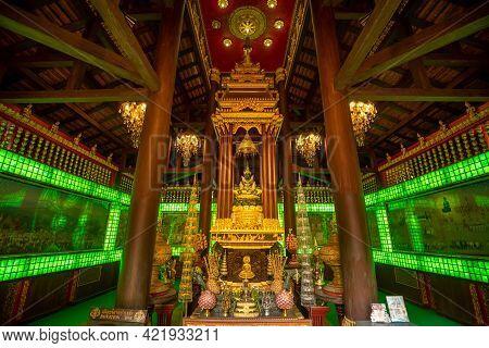 Chaing Rai, Thailand - March 6 ,2021 : Beautiful Meditation Of Emerald Buddha Statue Inside Wat Phra