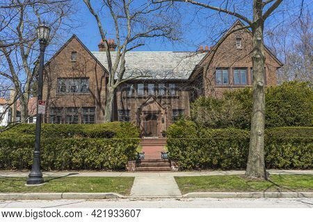 The View Of Classic Family House In Evanston, Il,usa