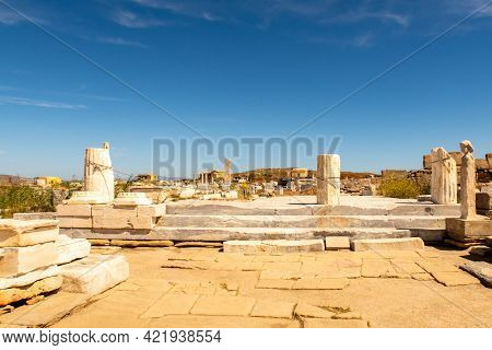 Ruins Of An Ancient City With Stones, Columns And Temples On Delos Island - Mythological, Historical