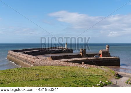 Whitehaven Cumbria England Uk The West Pier Lighthouse And Harbour Wall