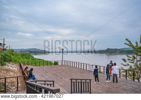 Loei/thailand-23 Oct 2020:unacquainted People With Beautiful Landscape Of Mekhong River Between Thai