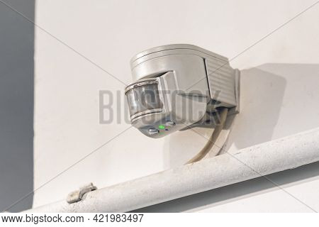 Indoor Wall Motion Or Light Sensor For Indoor Lighting Control.