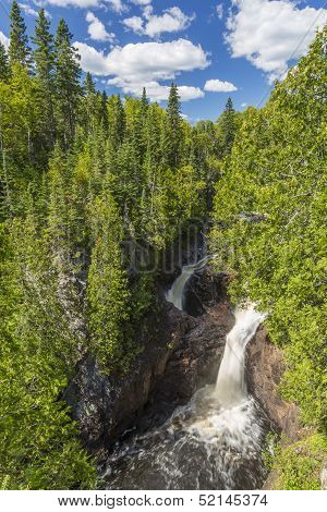 Devils Kettle Falls