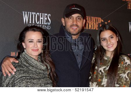 LOS ANGELES - OCT 10:  Kyle Richards, husband, daughter at the 8th Annual LA Haunted Hayride Premiere Night at Griffith Park on October 10, 2013 in Los Angeles, CA