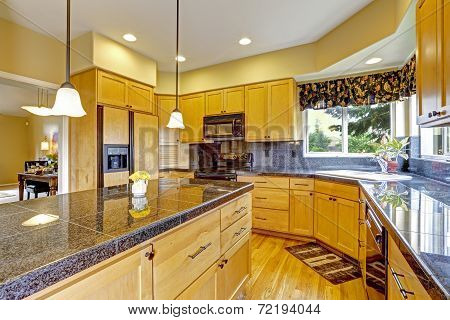 Kitchen With Granite Tops And Trim