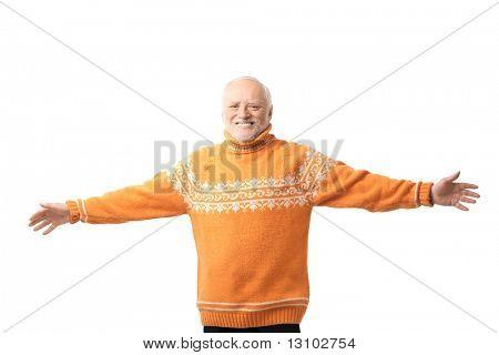 Portrét šťastný starší muž paže natažené, se smíchem. Izolované na bílém pozadí.