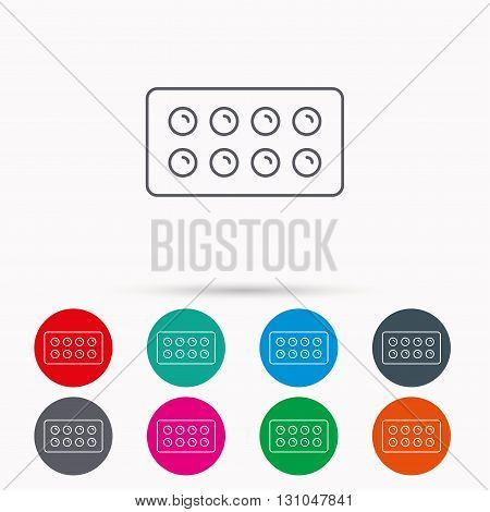 Tablets icon. Medical pills sign. Painkiller drugs symbol. Linear icons in circles on white background.