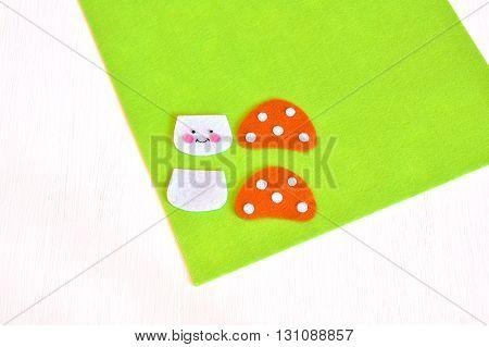 Stitched felt details - sewing set for the felt mushroom. Tutorial