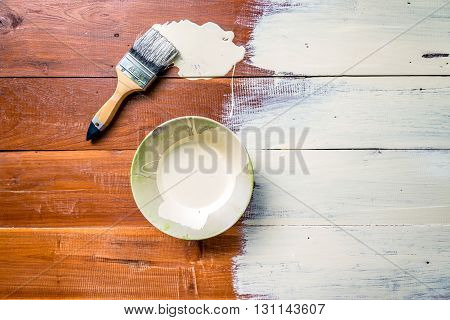 The Paint Brush And  Bowl  Of White Coating Color