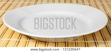 The Symbolic White Dishes On A Bamboo Litter