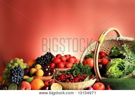 frisches Gemüse, Obst und anderen Lebensmitteln. riesige Sammlung