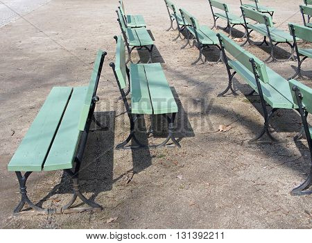 Wooden Benches: a different point of view, individualism