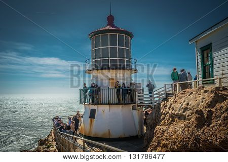 Point Reyes, Ca, Eua - March 25 2016: Wind Blown High Clouds Spread As If Is A Design Fan Towards Th