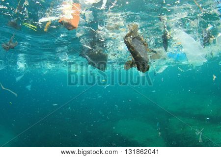 Plastic rubbish pollution in ocean environment