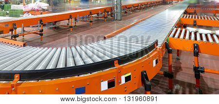 Conveyor System in Regional Delivery Hub Warehouse