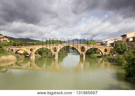 Puente la Reina (Bridge of the Queen) bridge over the Arga river. Navarra Spain