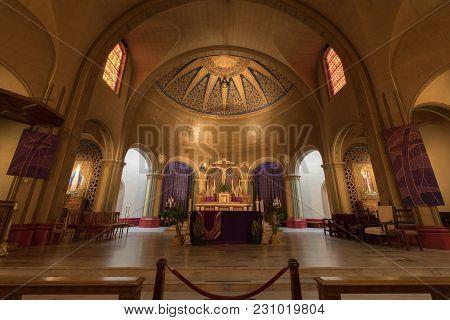 San Francisco, California - March 10, 2018: Interior Of Basilica Church Altar Of The Mission San Fra