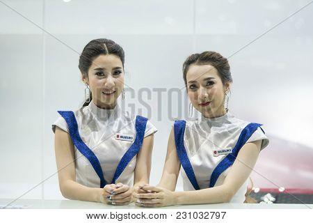 Bangkok-thailand-3 December 2017: Unidentified Female Presenters Model At Motor Show Muangthong 2017