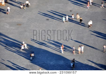 Blurred People, Busy City Life