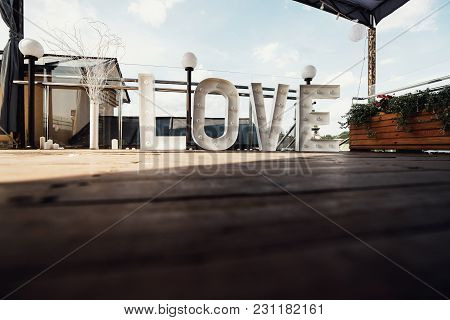 Stylish Large Love Sign, With Big Romantic Letters, Creative Wedding Decoration
