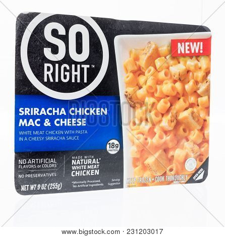 Winneconne, Wi - 27 February 2018: A Package Of So Right Sriracha Chicken Mac And Cheese On An Isola