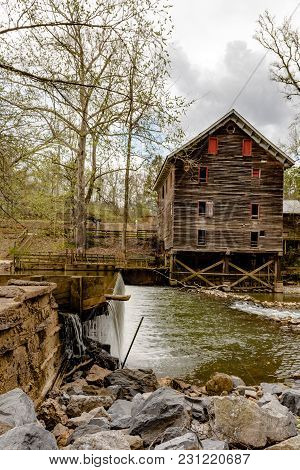 Childersburg, Alabama, Usa - March 25, 2017: Kymulga Grist Mill, Original To Civil War Period, As Vi