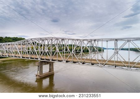 Missouri River bridge and I-70 highway near Rocheport, MO (Taylor's Landing) - aerial view