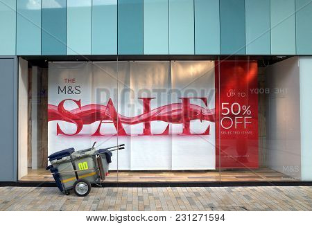 Bracknell, England - March 14, 2018: A Banner Announcing A Sale In The Window Display Of The Marks &