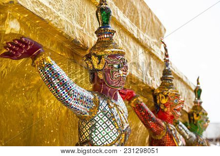 Art Sculptures - Giant Statues , The Giant Monkey And Help Bear The Pagoda. Another View Is That The