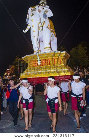 Chiang Mai , Thailand - Nov 04 : Participants In A Parade During Yee Peng Festival In Chiang Mai , T