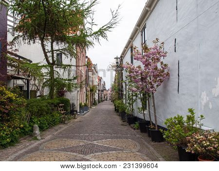 Alkmaar,  Netherlands - April 21, 2017: Historic Old Town Of Alkmaar, North Holland, Netherlands, Ty