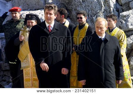 Shipka, Bulgaria - Mart 3, 2003: The Presidents Of Russia Vladimir Putin (r) And Bulgaria Georgi Par