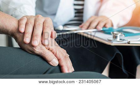 Geriatric Doctor (geriatrician) Consulting And Diagnostic Examining Elderly Senior Adult Patient (ol