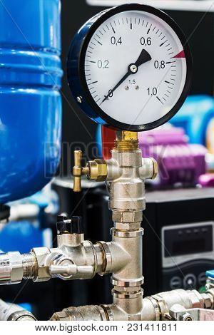 Pressure Gauge For Measuring Installed In Water Or Gas Systems. Focus On The Pressure Gauge. Plumbin