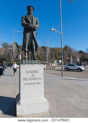Madrid, Spain - January 27, 2018: Statue Of The Basque Writer Pio Baroja (1872-1956) At The Entrance